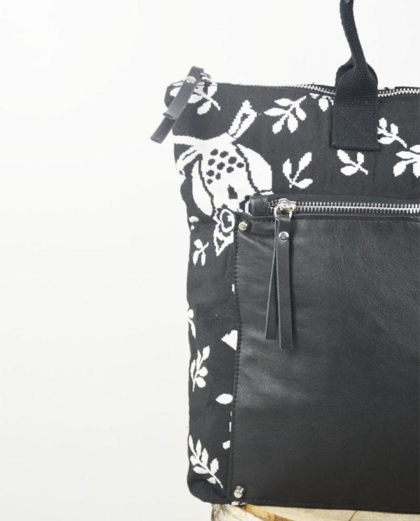 Martina cotone colore nero gufi bianchi tasca savage nera dettaglio.