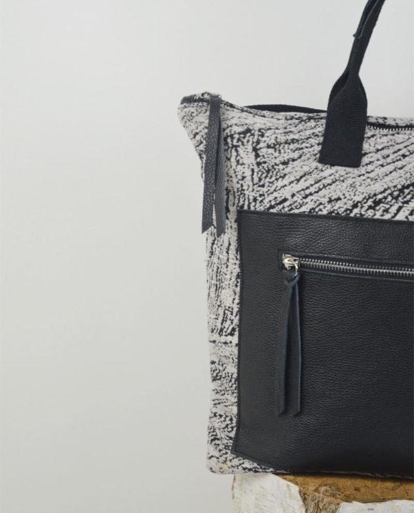 Martina cotone spatolata nera tasca dollaro nera dettaglio.