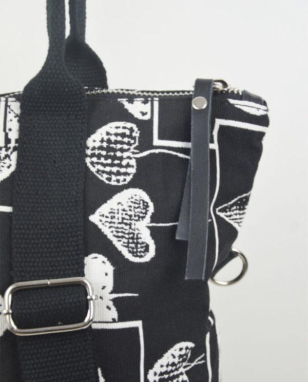 Martina xs cotone nero cuori bianchi tasca savage nera dettaglio cotone.
